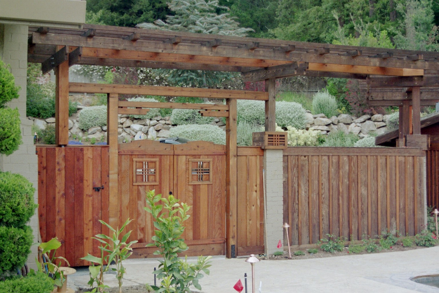 Tile gate and fence for Japanese gates pictures